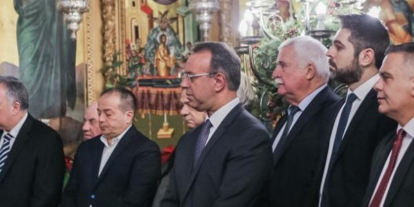 Στη Μητρόπολη Φθιώτιδας την πρώτη του χρόνου ο Υπουργός Οικονομικών – Οι πρώτες δηλώσεις (video) | 1.1.2020